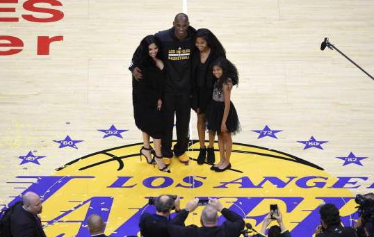 """El desgarrador mensaje de Vanessa Bryant a Kobe: """"Realmente la vida no es justa"""""""