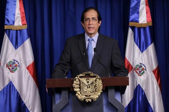 El Gobierno no ha contemplado extender el toque de queda, revela ministro Montalvo