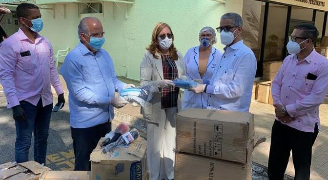 Destituido viceministro de Salud, Ramón Alvarado, participó en entrega de donativo de la Fuerza del Pueblo