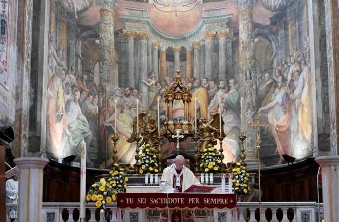 """El papa cree que la pandemia es """"tiempo de eliminar las desigualdades"""""""