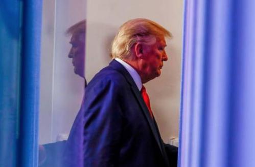 Trump dice sin pruebas que si hay una nueva ola de COVID-19, será menos grave