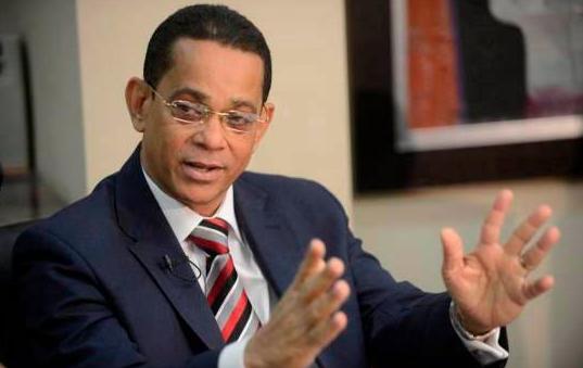 Senador Vargas pide al presidente Danilo comprar 12 millones libras de pollos a productores del país