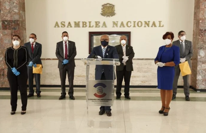 PRM lanza duras críticas al ministro de Salud; apoya estado de emergencia sea extendido 17 días más