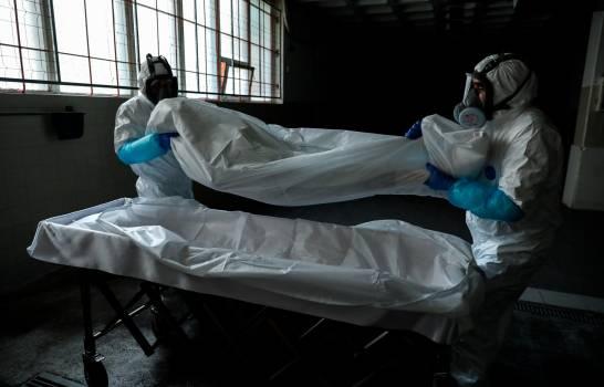 Permitirán traer al país cenizas de dominicanos que fallecieron por COVID-19 en Estados Unidos