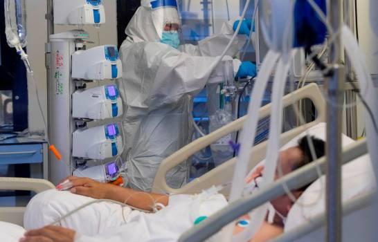 El 35.9% de los casos hospitalizados por coronavirus está en cuidados intensivos