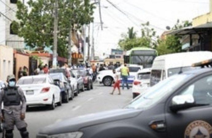 Operativo de Salud Pública en Los Mina no se sintió entre los moradores