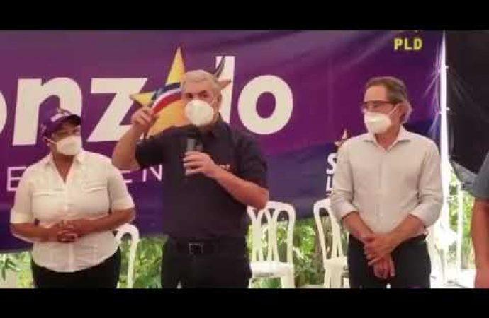 Gonzalo Castillo llama cobarde a Luis Abinader | El Jarabe 24/05/20