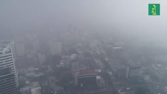 Ciudad de Santo Domingo cubierta de humo por incendio en Duquesa