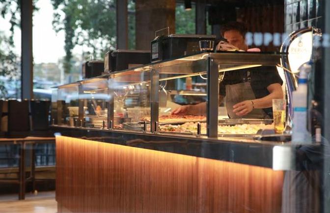 Pizzerías, supermercados y Amazon buscan empleados en Estados Unidos
