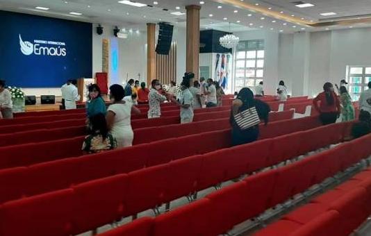 Policía suspende culto en Iglesia en Higüey y se lleva presa a la pastora