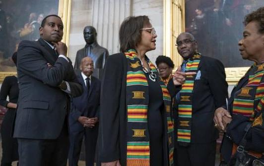 Negros rescatan a Biden y ahora quieren la vicepresidencia