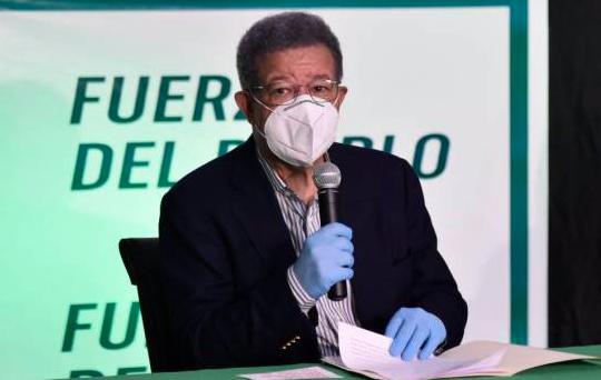 Leonel pide revertir venta de bonos por RD$40,000 millones y entregar ese dinero a los trabajadores