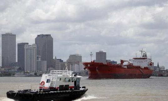 Irán avisa a EE.UU. contra impedir el transporte de combustible a Venezuela