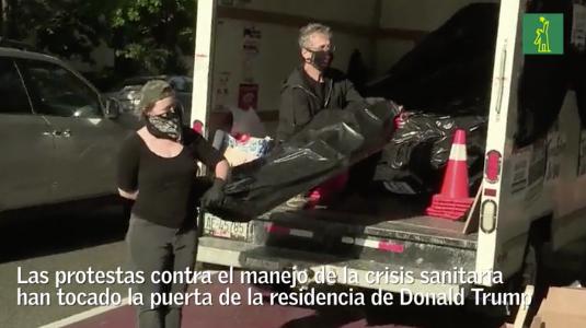 """Los """"muertos de Trump"""" por COVID-19 llegan a la Casa Blanca"""