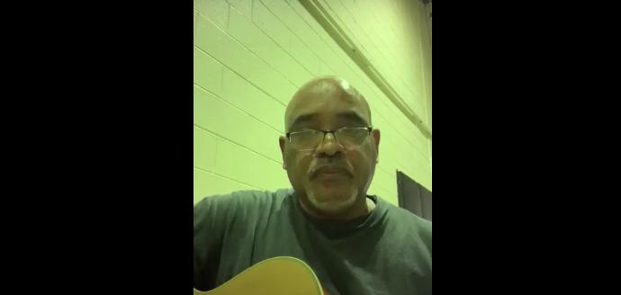 Canción para las bocinas y botellas de Danilo Medina
