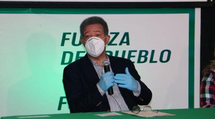 """Leonel Fernández dice """"ni vio ni oyó"""" entrevista a Gonzalo Castillo"""