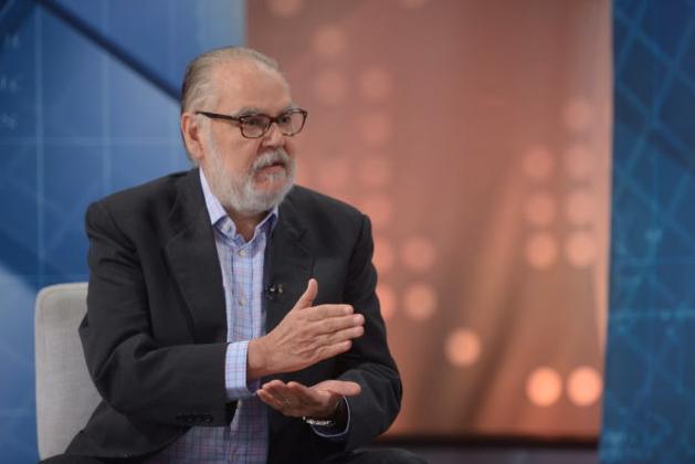 Miguel Ceara Hatton dice trabajadores no deben financiar COVID-19 con fondos de pensiones