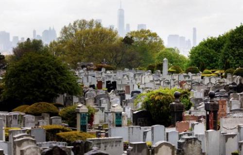 EE.UU. supera los 82.000 fallecidos y 1,36 millones de contagios por el COVID-19