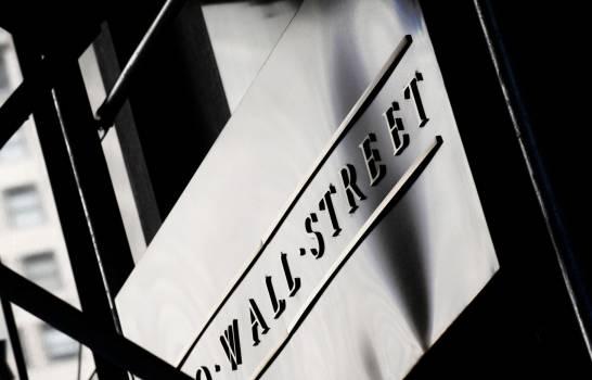 Wall Street subió estimulada por optimismo sobre nuevas vacunas