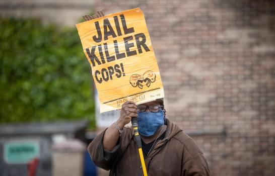 El FBI da 'máxima prioridad' a la muerte de Floyd a manos de la Policía