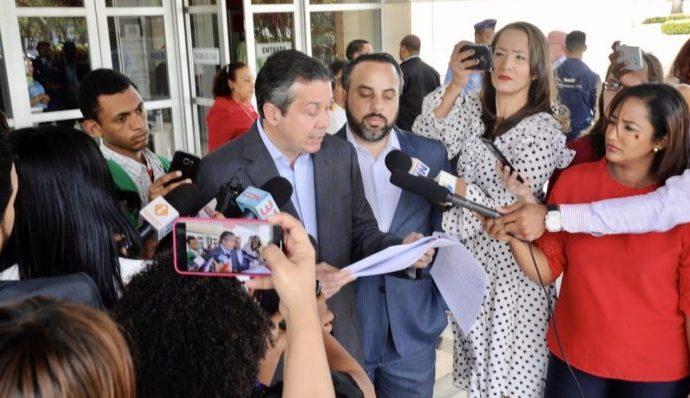 PRM denuncia en la JCE reincidencia del PLD y Gonzalo en violar Ley Electoral y decretos estado de emergencia