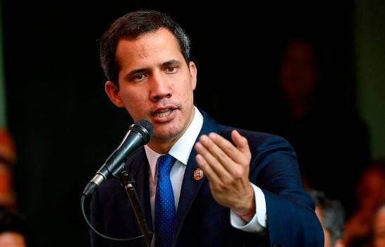 Emiten orden de captura contra Juan Guaidó