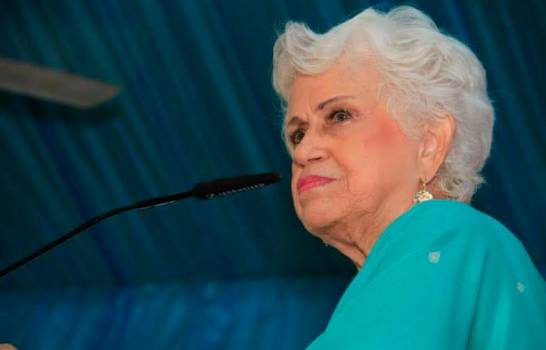 Milagros Ortiz Bosch dice Margarita Cedeño desacata la Constitución