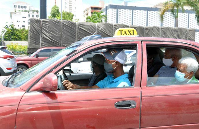 En carros públicos ya no se cumple con el distanciamiento