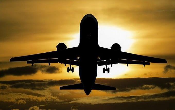 ¿Quién puede viajar a los EE.UU. con las restricciones actuales?