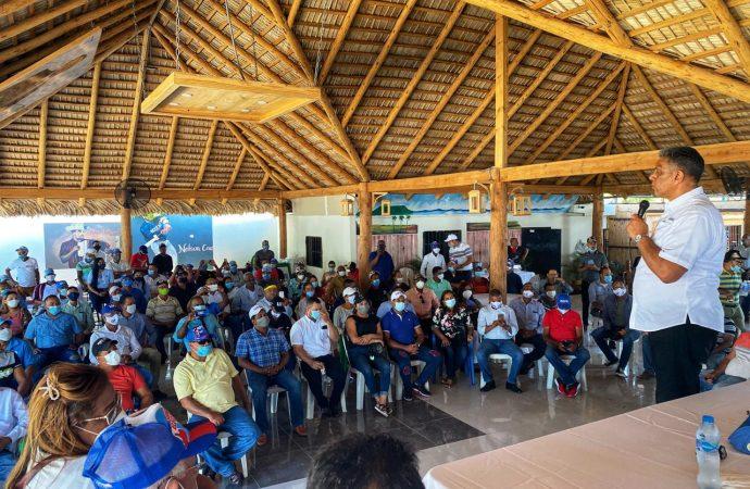 Chú Vásquez a Gonzalo Castillo: utilizar recursos del pueblo para provecho personal, no es sinónimo de solidaridad