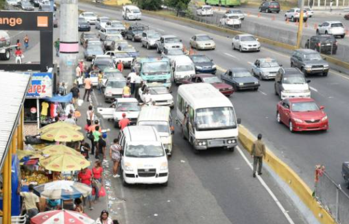 Autobuses y minibuses podrán iniciar operaciones mañana a un 60% de su capacidad