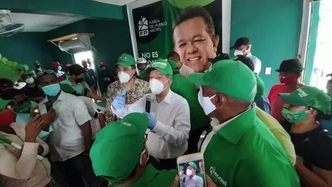 Leonel ve contradictorio Gobierno frene fase 3 y tenga previsto apertura de vuelos internacionales