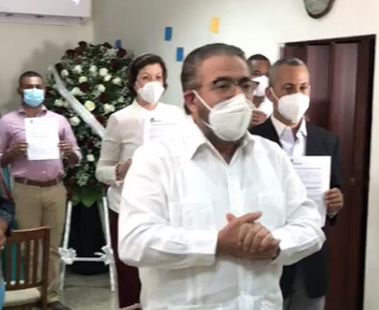 Candidatos de Alianza País se comprometen a renunciar a exoneraciones si salen electos