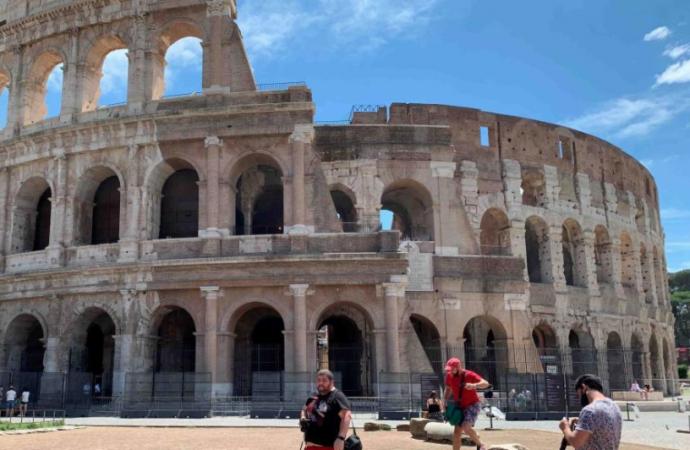 Italia registra la cifra de muertes por COVID-19 más elevada en una semana