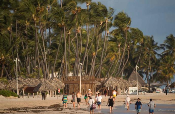 """República Dominicana asegura que está """"lista"""" para reabrir el turismo el 1 de julio"""