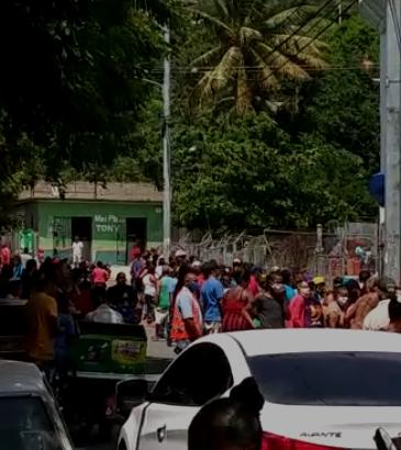 """Gonzalo crea tumulto en reparto de GLP en La Vega, mientras Salud declara """"Pandemia Nacional"""""""
