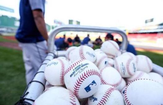 Dueños de equipos se plantan ante peloteros y dicen no negociarán jugar más de 60 partidos