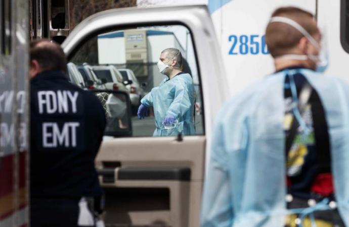 Estados Unidos vuelve a rebasar los 30,000 casos diarios de COVID-19