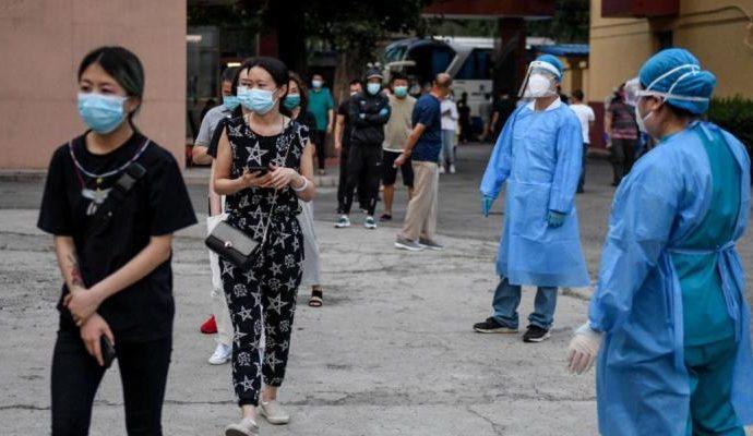 Pekín vuelve a confinarse y la actividad se paraliza