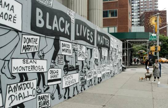 Nueva York sigue pidiendo cambios en la policía tras dos semanas de protestas