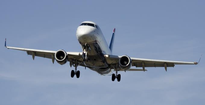 Consulado RD en Nueva York denuncia estafadores cobran para incluir personas en vuelos humanitarios