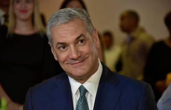 """Analista del Miami Herald: Gonzalo Castillo está """"sumido en acusaciones de corrupción"""""""