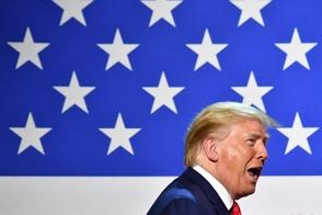 Trump permite que médicos se nieguen a hacer abortos y a atender transexuales