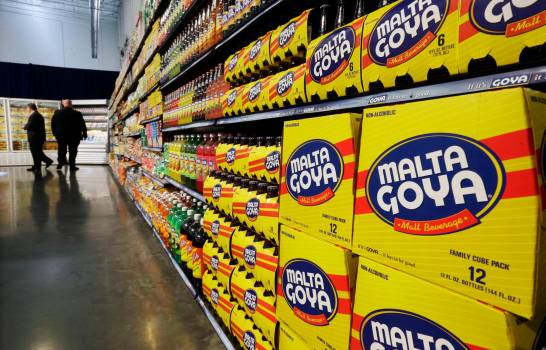 Latinos en contra de la marca Goya luego que su CEO elogiara a Trump