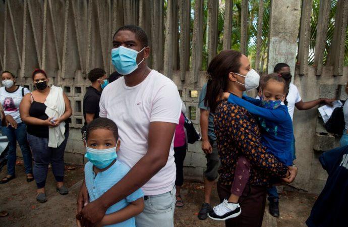 Las muertes por COVID-19 en República Dominicana superan el millar