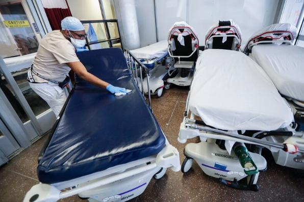 Ciudad de Nueva York no registra muertes por COVID-19 en un día por primera vez desde el inicio de la pandemia