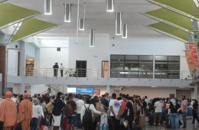 Suspenden disposición de realizar pruebas rápidas de coronavirus a pasajeros que ingresen al país