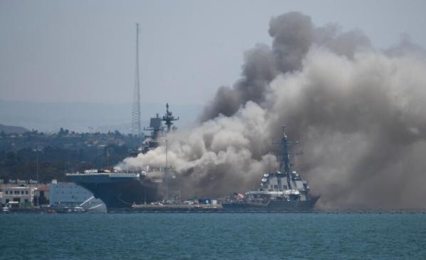 Dieciocho heridos en un fuego a bordo de un buque de la Armada de Estados Unidos