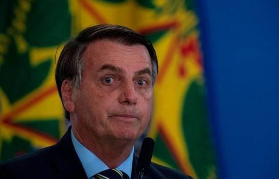 Bolsonaro da nuevamente positivo a coronavirus y seguirá en cuarentena