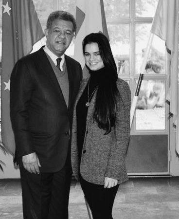 """Hija de Leonel Fernández: """"Papi, tú los pusiste y tú los quitaste, el ganador eres tú"""""""